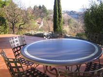 table en lave émaillée couleur motown frise bambou